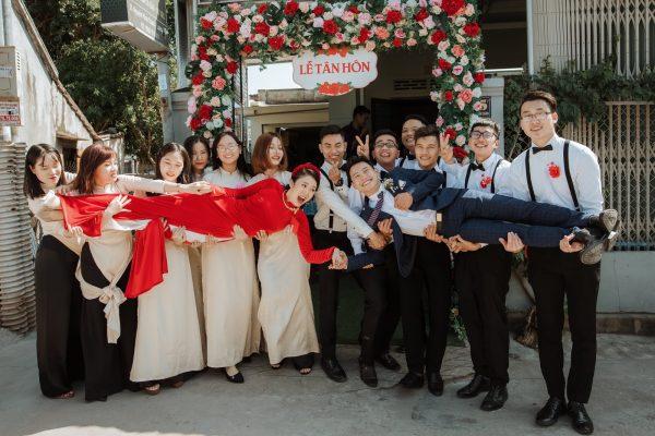 cách tạo dáng chụp ảnh cưới cho cô dâu