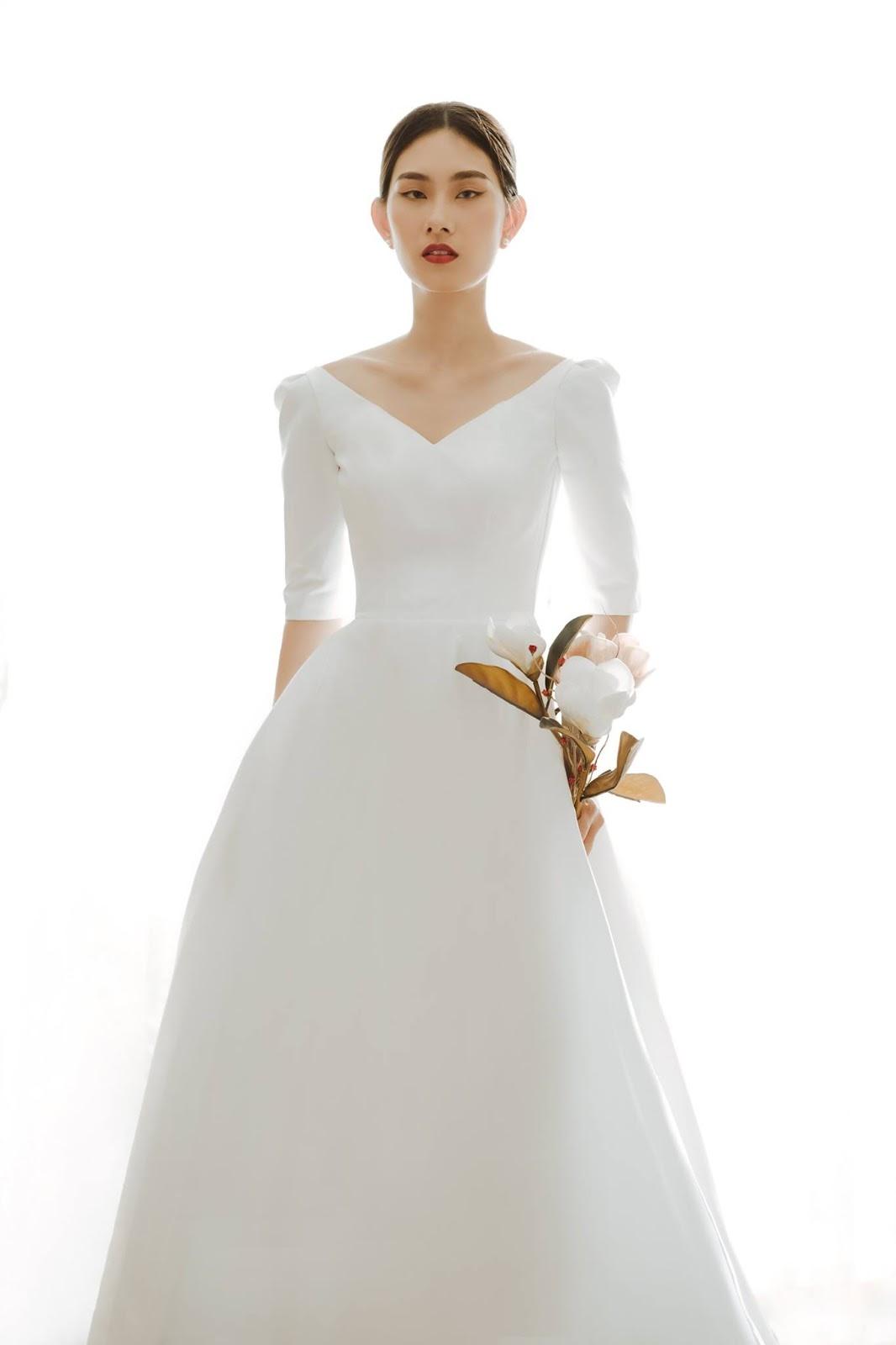 Giá thuê váy cưới ở Nha Trang là bao nhiêu? ,Váy cưới tối giản nhưng vẫn mang lại nét sang trọng và thanh lịch