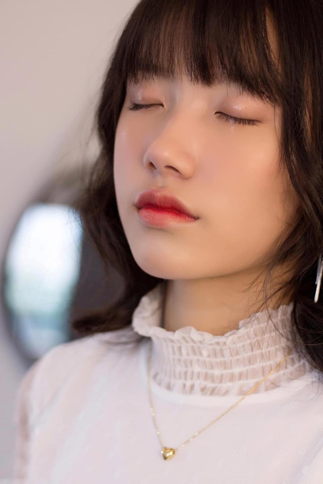 Trang điểm phong cách Hàn Quốc nhẹ nhàng và tính tế